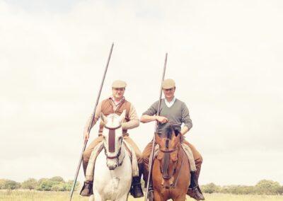 Lolo a caballo y lanza